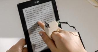 FingerReader, um anel inteligente para ajudar cegos a ler