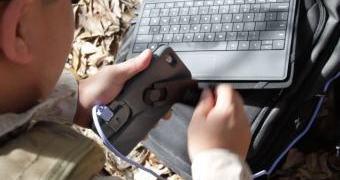 Um case de iPhone com manivela pode ser mais útil do que aparenta