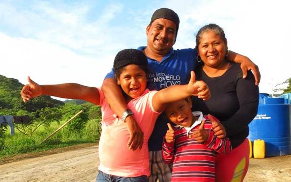 A family getting through tragedy with the support of Proyecto Samán