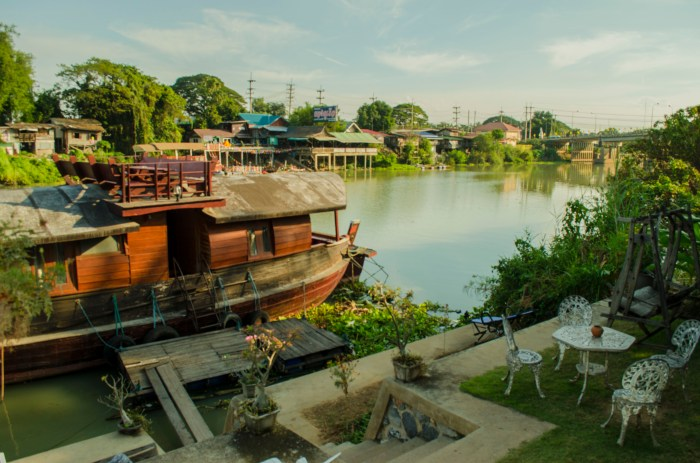 ayotthaya_riverside_house