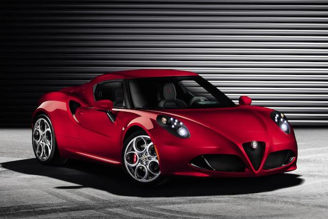 Alfa Romeo 4C es nombrado 'Auto del año 2013' por la revista FHM