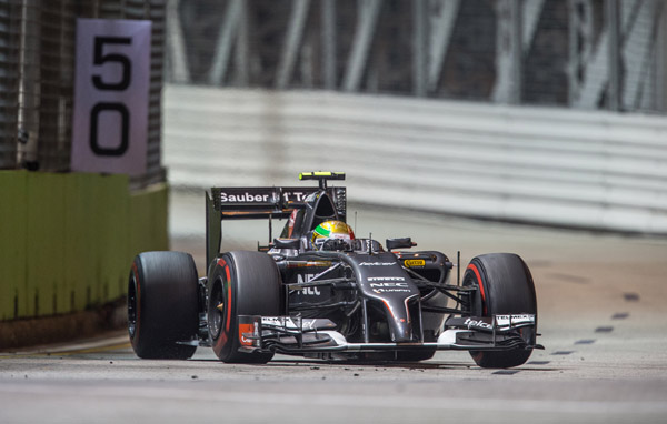 Se retira Esteban en Singapur por fallas en el monoplaza