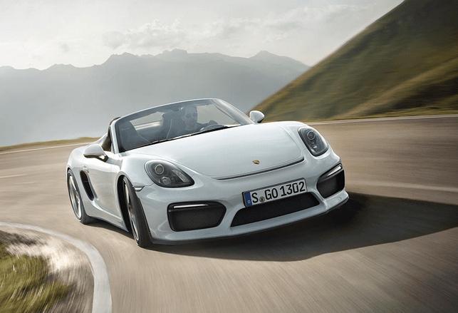 Porsche 21,469 autos en abril