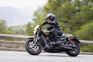 La calle es de Harley-Davidson: StreetRod