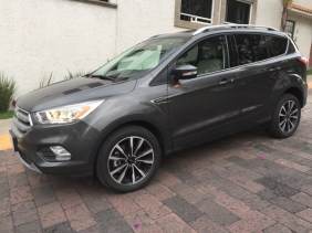 Ford Escape 2017043