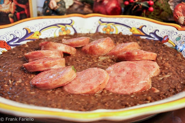 Cotechino with lentils (Cotechino e lenticchie)