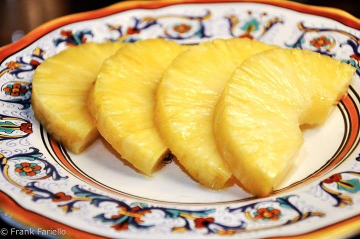 Ananas alla sambuca