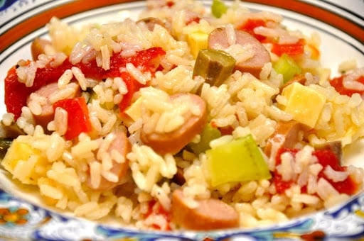 Insalata di riso con würstel (Rice Salad with Wieners)