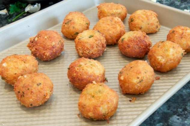 Pallotte (prep 2) (Cheese and Egg Balls)