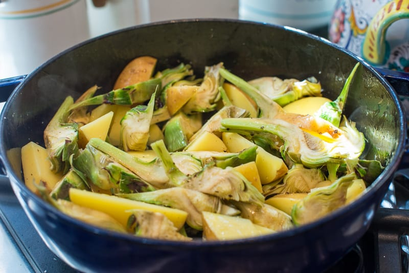 Carciofi e patate in padella (Braised Artichokes and Potatoes)