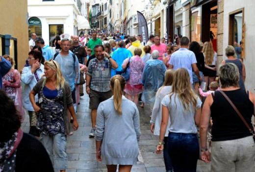 """Cuatro de cada diez ciudadanos de Balears ven la ecotasa como """"beneficiosa"""""""