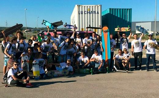 """(Fotos) A lomos de un """"longboard"""" por las calles de Maó"""