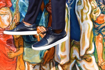 RIST's Navy Leather Wynwood Low Top Sneakers