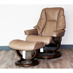 Small Crop Of Ergonomic Chair With Ottoman