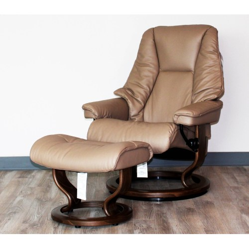Medium Crop Of Ergonomic Chair With Ottoman
