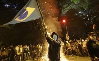 brazil-protest-fla_2592987k