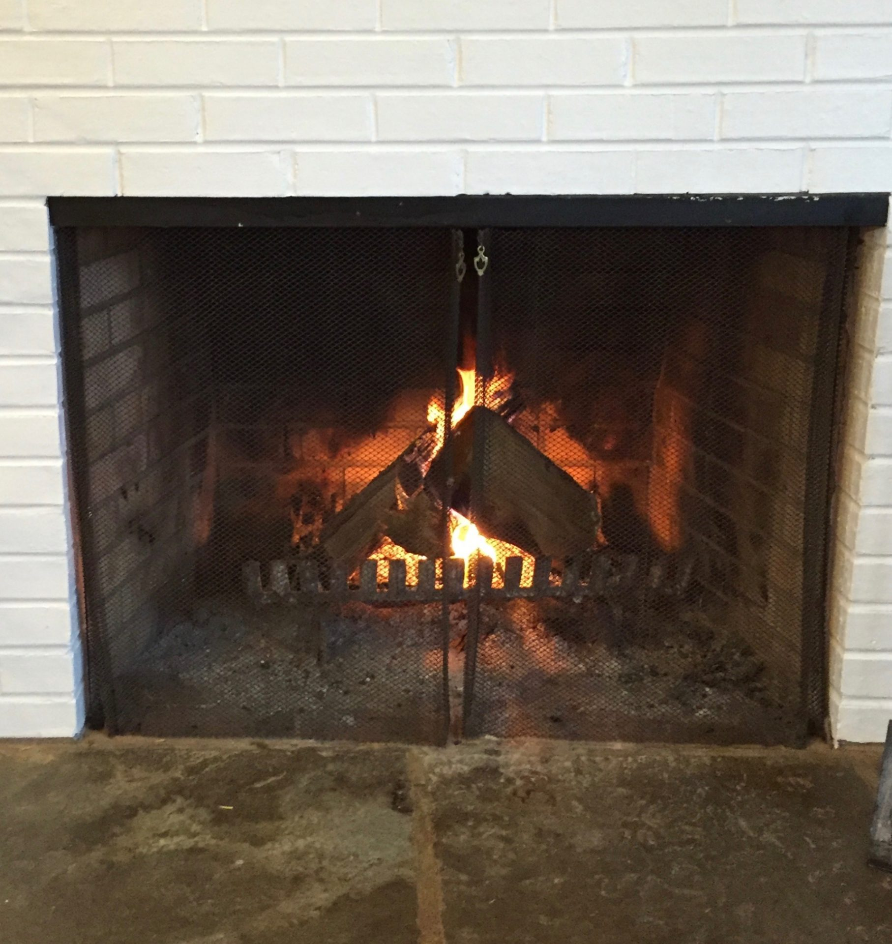 Best practices for wood burning to reduce air pollution