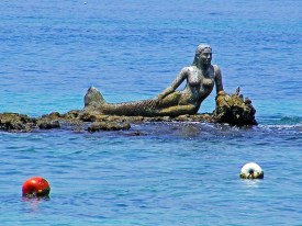 Isla Pirata Mermaid Sculpture