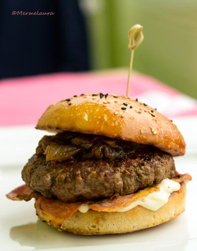 Detalle Black label burger.