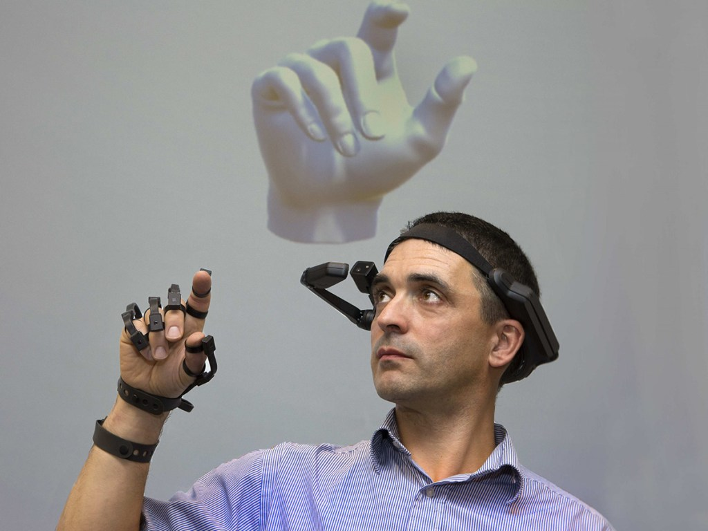 Virtual Reality Glove – Interview with Dr Brendan O'Flynn