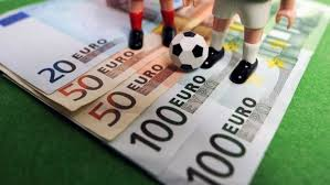 fotbal și bani