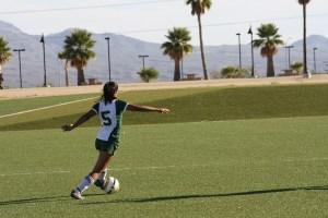Bulldog Karla Correa sets up a goal shot during a recent Bulldogs game. Photo by Lou Martin