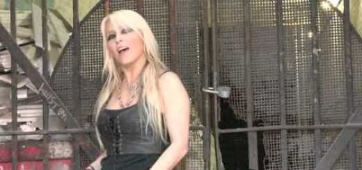 DORO – Raise Your Fist In The Air