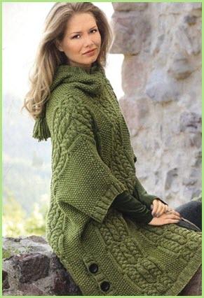 Вязаное пальто оливкового цвета