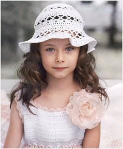 Фото с девочкой в шляпке