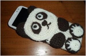 Вязаный чехол панда