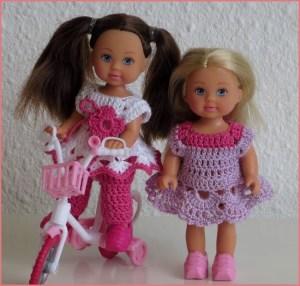 Куклы в летней вязаной одежде