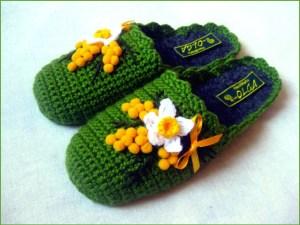 Зелёные тапки с цветами и бантиками