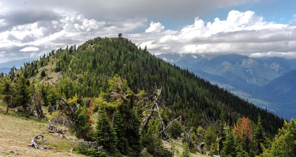 Photo by Mandi Donohue Approaching the Goat Peak summit:  rough drive to the trailhead is worth it.