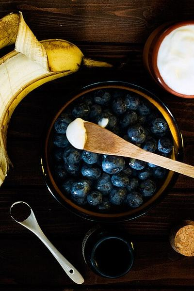 Blueberry Banana Yogurt Smoothie and Tips For Homemade Yogurt