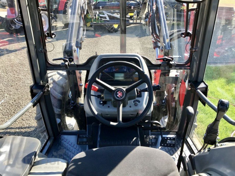 Traktor des Typs Massey Ferguson 4235 ekkor: Tiszaug