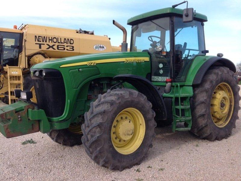 Traktor des Typs John Deere 8120 ekkor: Abony