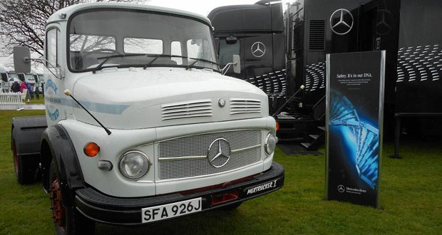 Mercedes-Benz celebrates 20 years of Actros at Truckfest 2016