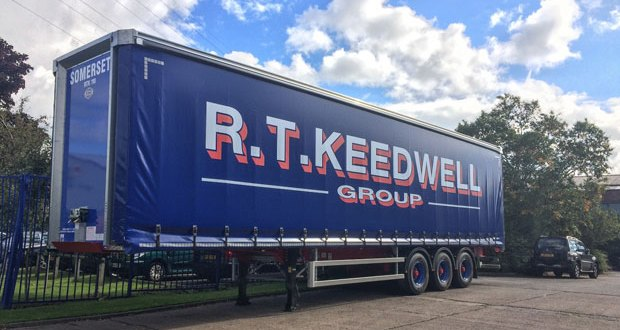 RT Keedwell takes delivery of 22 Cartwright Acclaro curtainsiders