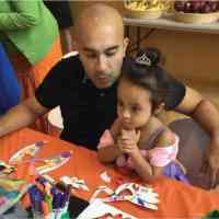 Free art and literacy workshops for families