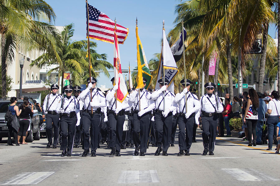 MIAMI-BEACH-ANNUAL-VETERANS-DAY-10