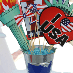 I love America Treat Buckets | DIY Patriotic Decor