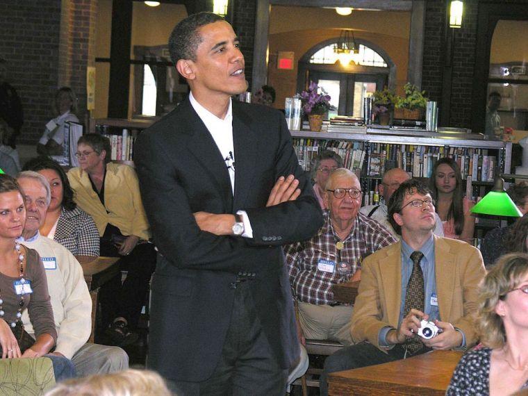 Barack_Obama_in_Onawa