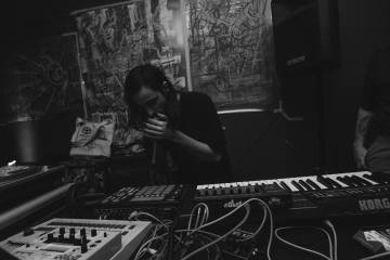 ngly-lies-techno-electronic-music-live