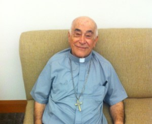PADRE CARLOS AGUILERA SALE DE OPERACIÓN EN EL HOSPITAL OCA DE MONTERREY