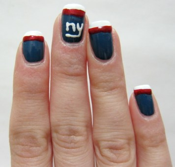 NY Giants Nail Art