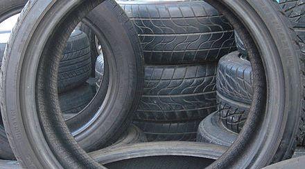 440px-Car_tires