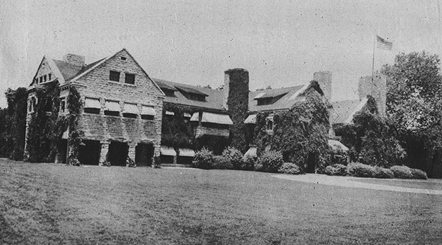 WIlliam Rockhill Nelson's home, Oak Hall, 1890. The Nelson-Atkins Museum of Art now stands on the site.