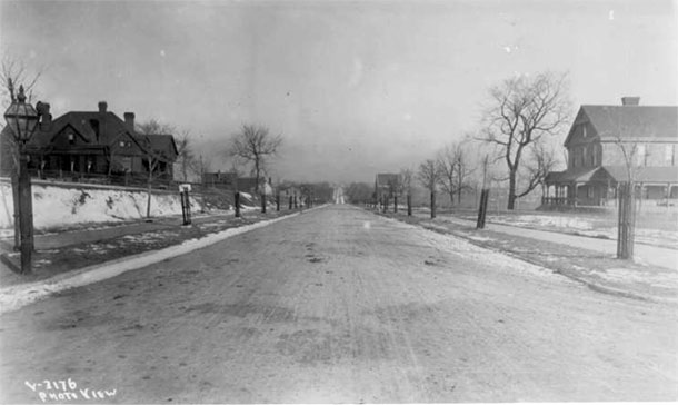 Warwick Boulevard 1894. Looking north from 41st Street. Courtesy Kansas City Public Library, Missouri Valley Special Collections.