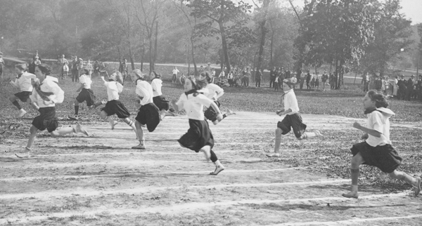 Photograph of the County Club District Field Day, 1921, from the J. C. Nichols Company Scrapbooks. Courtesy The State Historical Society of Missouri Research Center-Kansas City.