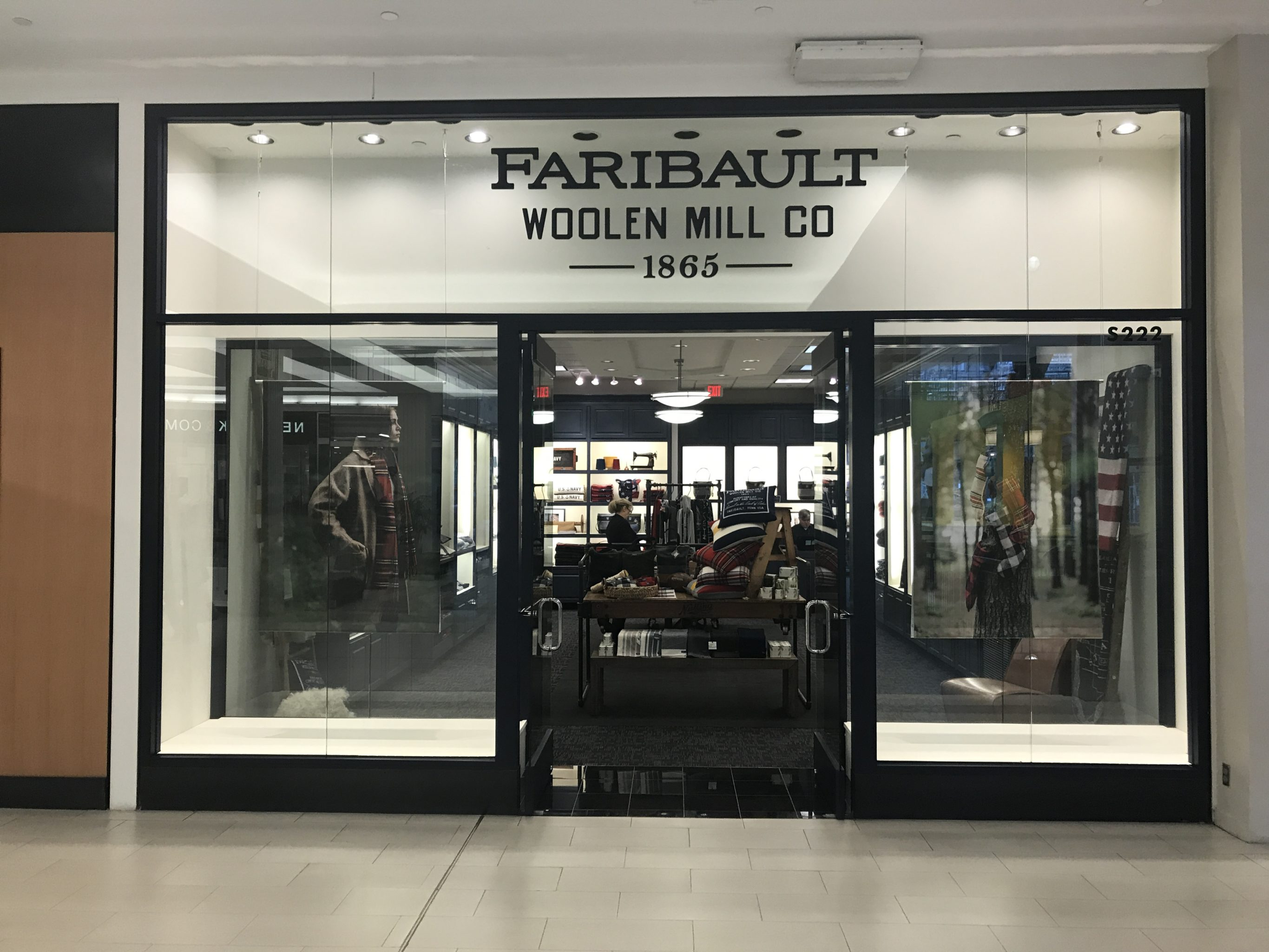 Modish Time Holiday Faribault Woolen Mill Has Opened Shop At During Next Few Shoppers Can Faribault Woolen Mill Opens At Mall America Midwest Home Just houzz-03 Faribault Woolen Mills